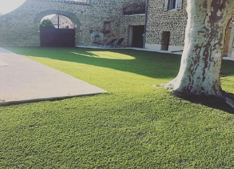 gazon synthétique Nimes jardin